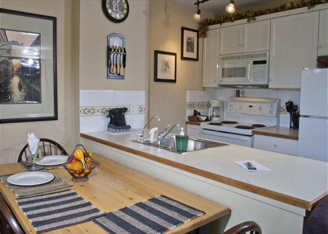Whistler Accommodation Aspens on Blackcomb 355 Kitchen