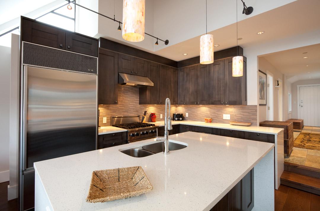 Whistler Accommodation Pinnacle Ridge 21 Kitchen