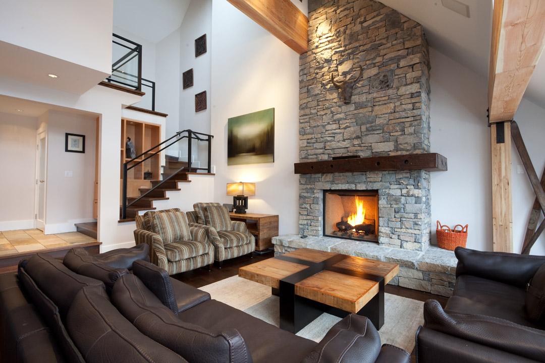 Whistler Accommodation Pinnacle Ridge 21 Living Rm