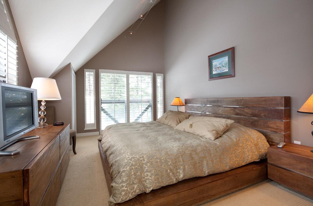 Whistler Accommodation Pinnacle Ridge 21 Master Bedroom