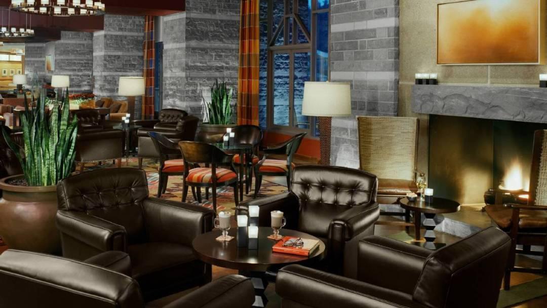 Whistler Four Seasons Resort 5280 Bar