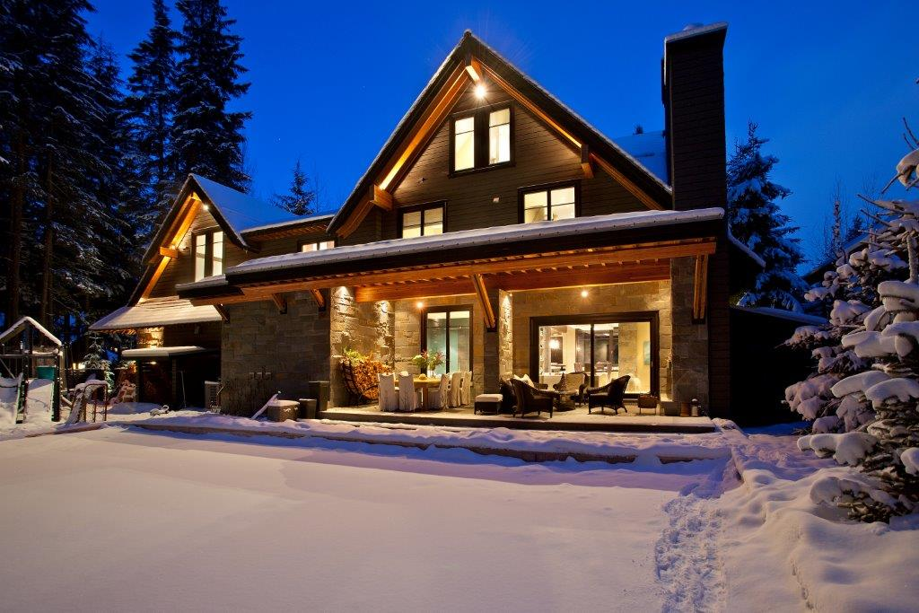 Whistler Luxury 6 Bedroom Rental Balsalm Chalet (30)