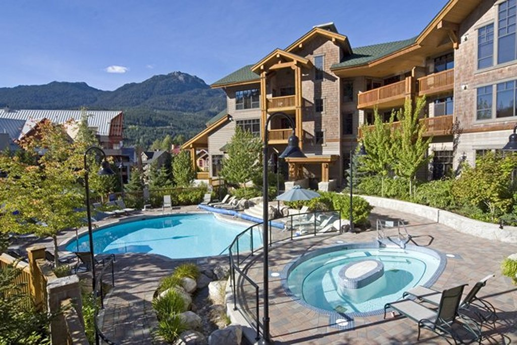 Whistler Luxury Hotel Ski In SKi Out First Tracks Lodge Pool Hot Tub Summer
