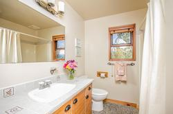 Whistler Mountain Rental House 6 Bedroom (22)