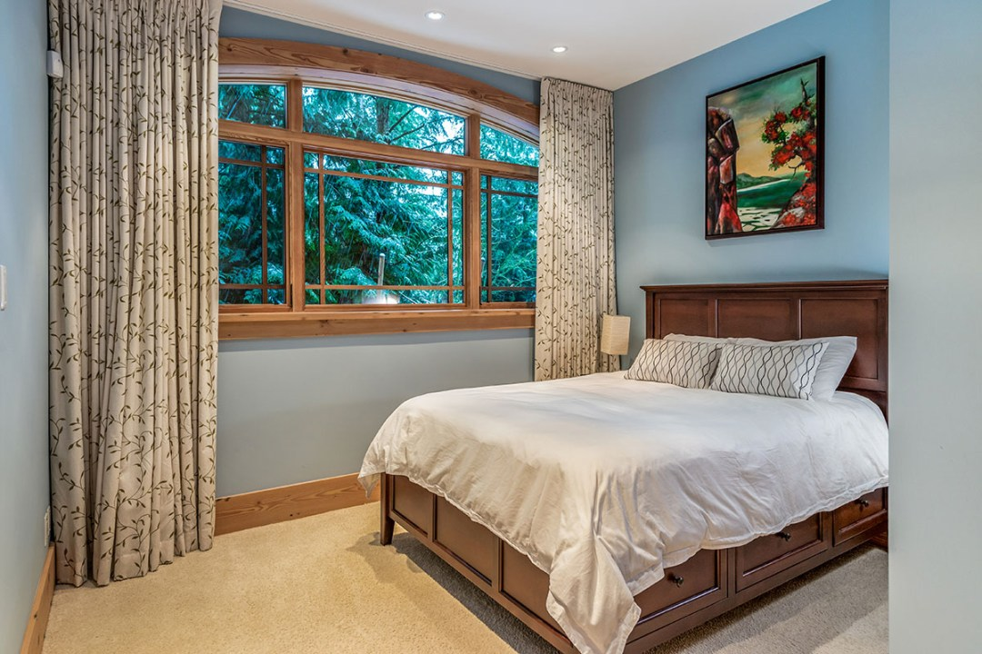 7130 Compass Point, Whistler, BC. SkiingBC's Platinum Collection