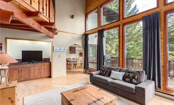 Whistler Rental Home 4 Bed Alpine Chalet (6)