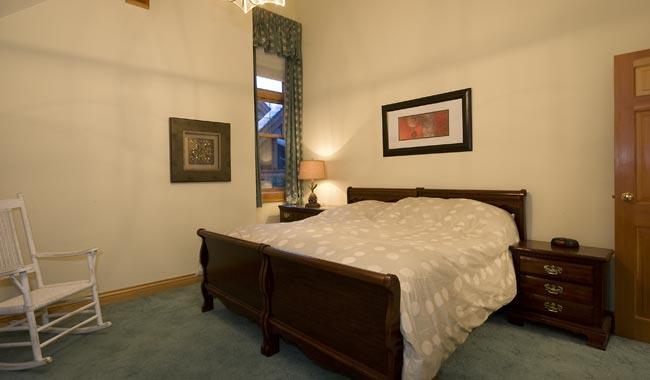 Whistler Six Bedroom Chalet (9)