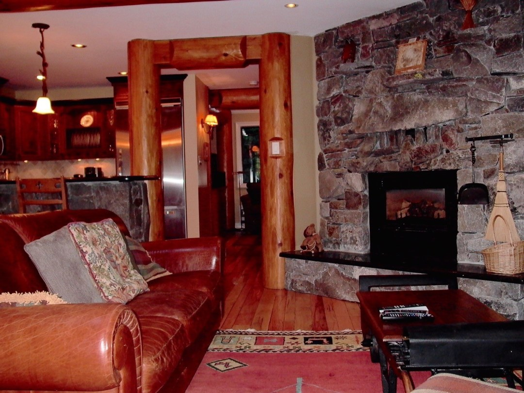 Whistler Ski In Ski Out Living Space