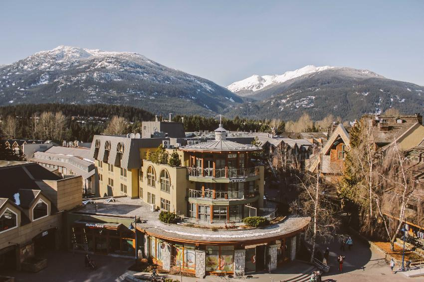 Whistler Village Luxury Condo Carleton Lodge (1)
