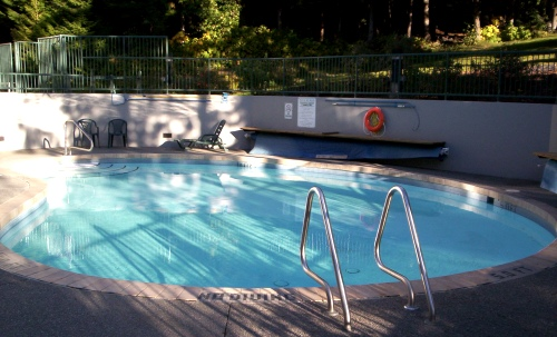 Woodrun Lodge Whistler 618 pool