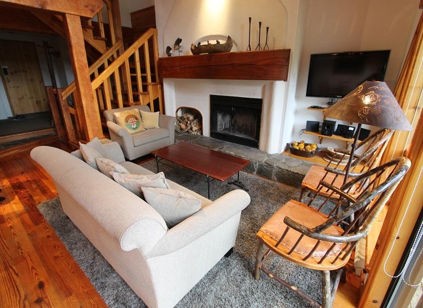 Whistler Ski In Ski out Pinnacle Ridge Living Room