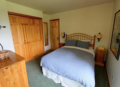 Whistler Pinnacle Ridge 5 Bedroom Bedroom