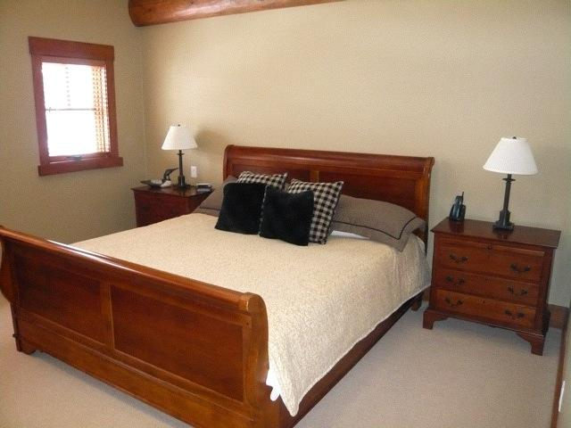 taluswood_heights_master_bdrm
