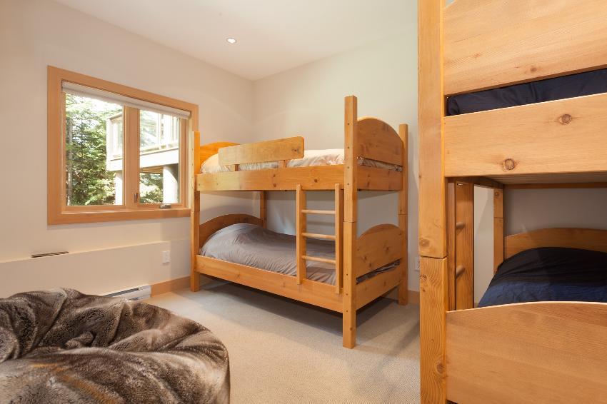 whistler 4 bedroom ski in ski out double bunk room