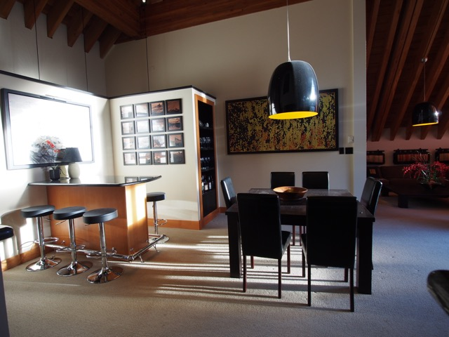 whistler village penthouse bar area