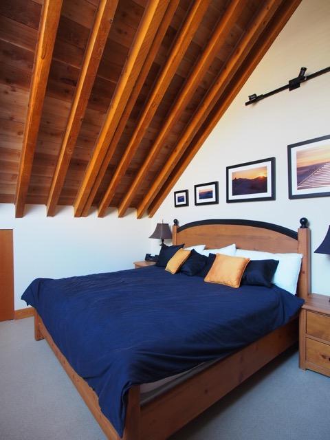 whistler village penthouse bdrm king