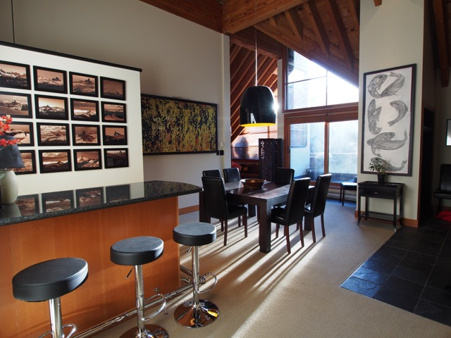 whistler village penthouse dining