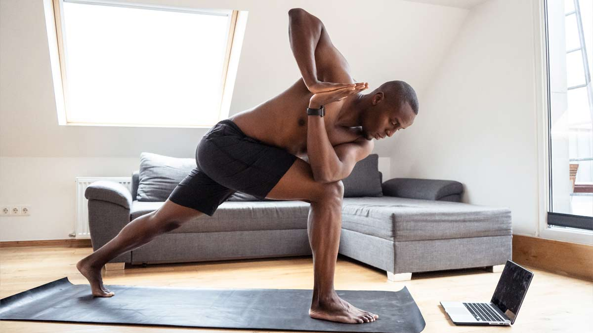 man in a revolved lunge position