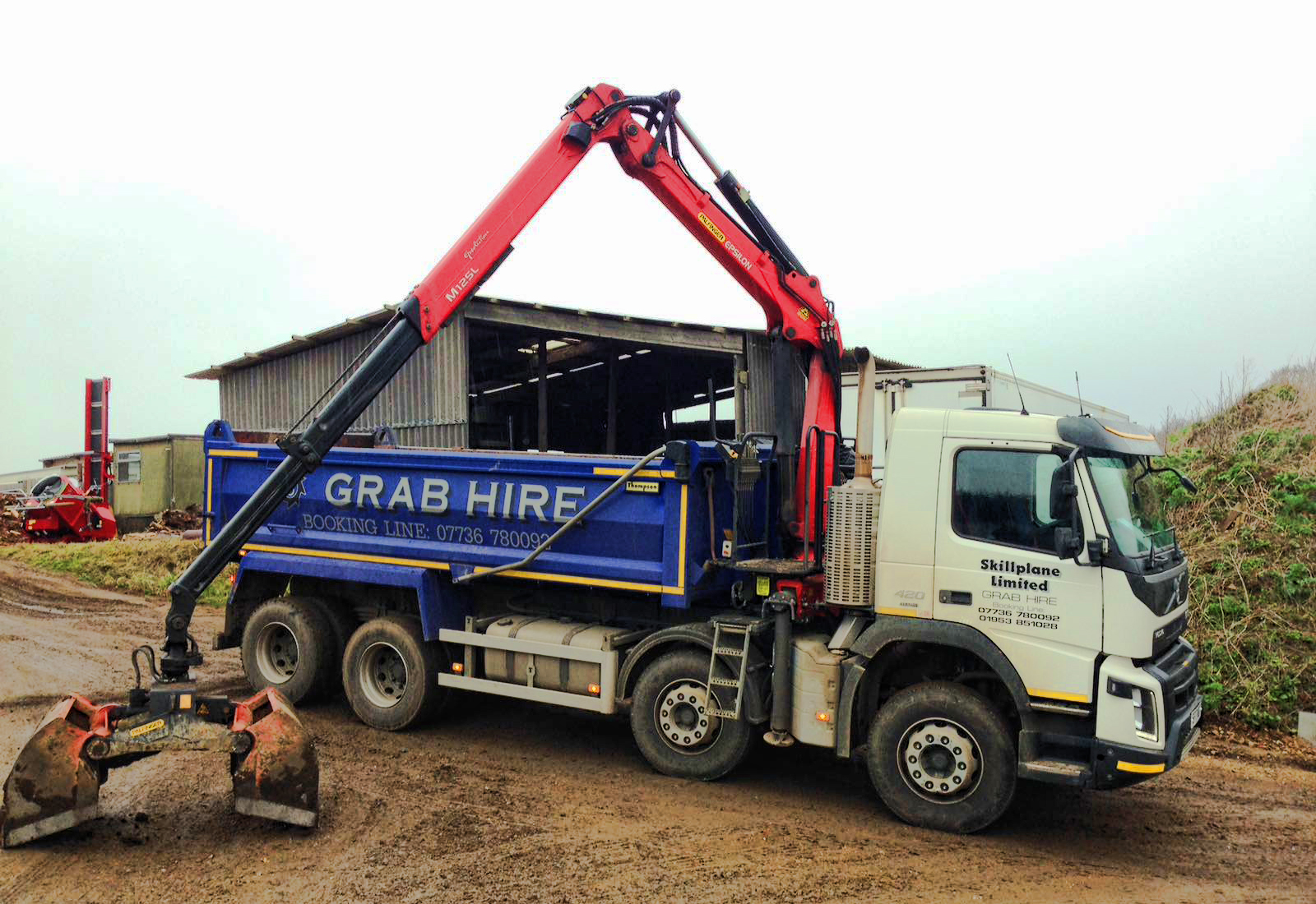 Skill plane grab hire lorry 2