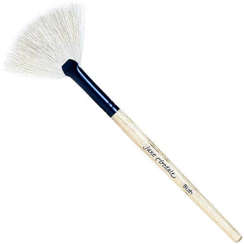 Jane-Iredale-White-Fan-Brush-lg