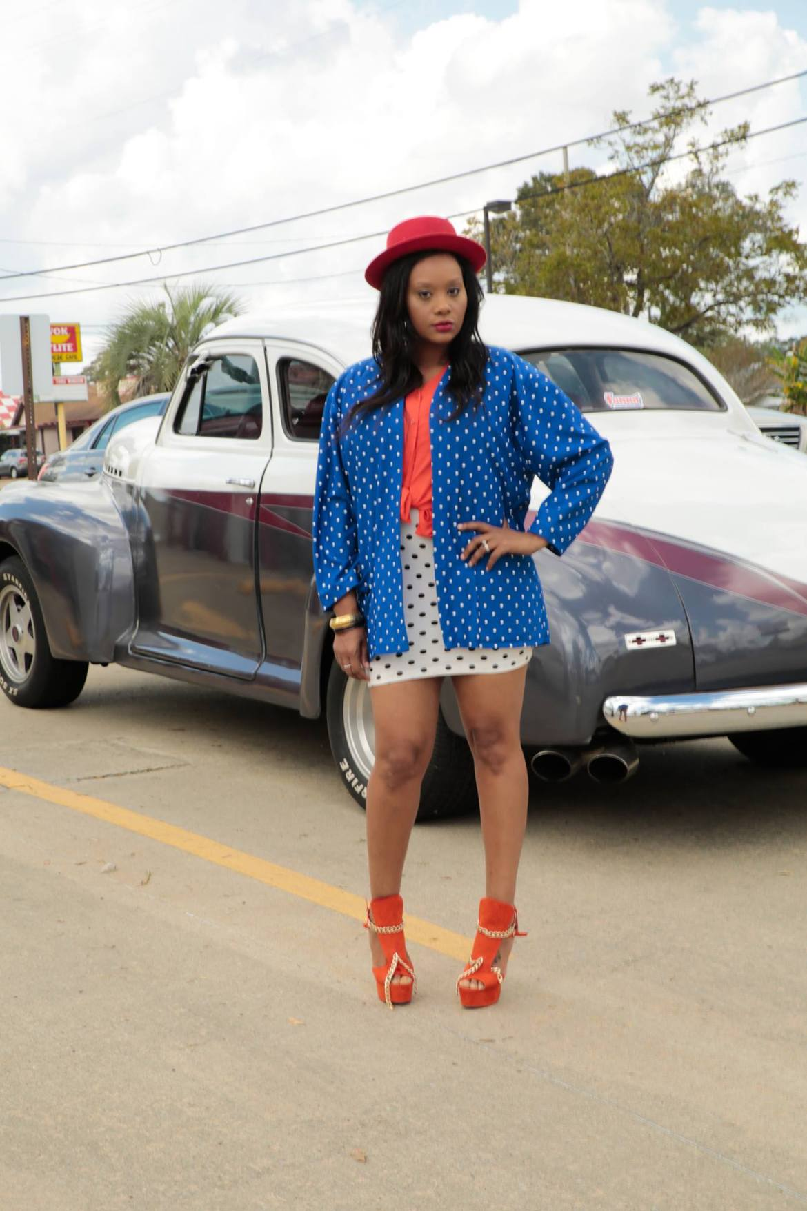 This chic is fierce and I Love it. Owning your own style