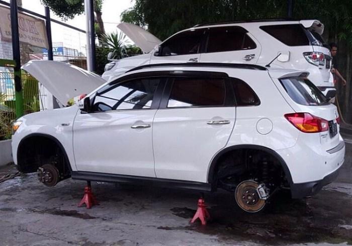 Salon detailing mobil jogja - perawatan anti karat pada mobil putih