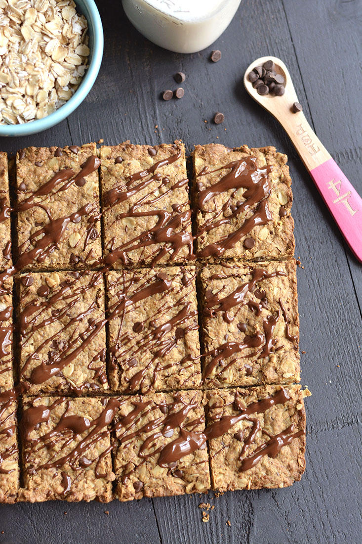 Chocolate Peanut Butter Granola Bars with protein & oats! Loaded with complex carbs, healthy fat & protein, this homemade granola bar recipe is perfect for healthy breakfast or snack! Gluten Free + Low Calorie + Vegan