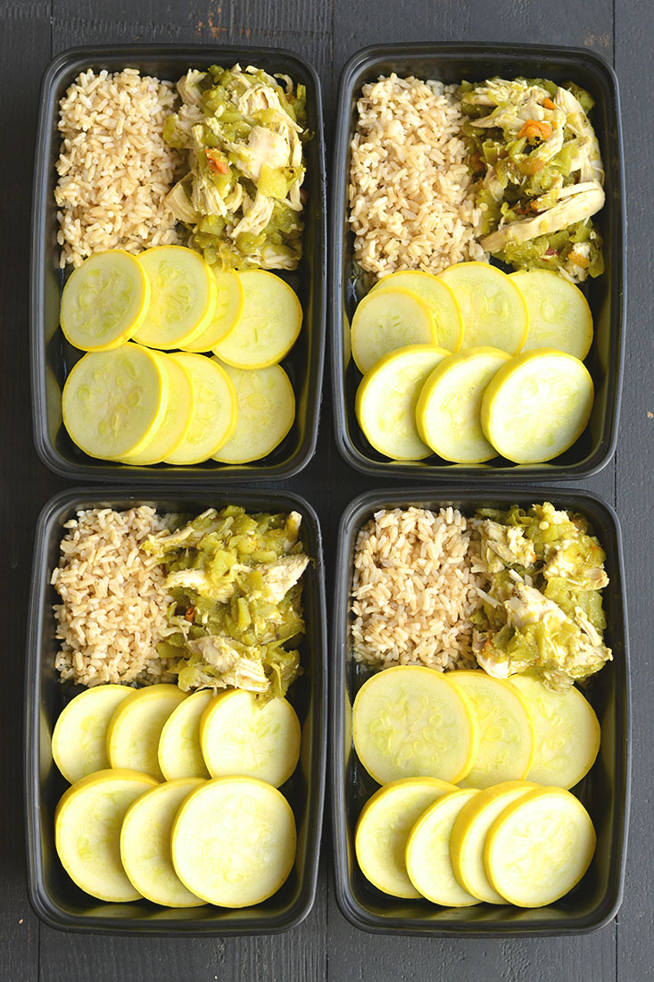 Meal Prep Hatch Green Chile Chicken! This simple dinner recipe is filled with spicy and smoky flavors. Serve over brown rice, lettuce or zucchini noodles for a lighter, healthier dish! Gluten Free + Low Calorie + Paleo