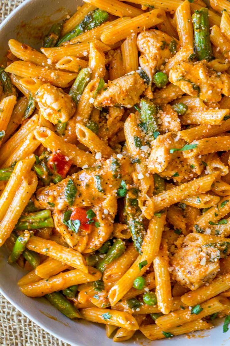 Spicy Chicken Chipotle Pasta (Copycat)