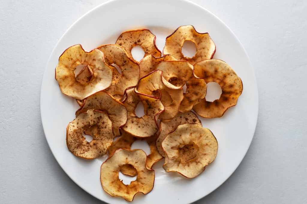 These baked apple chips are full of flavor but low in calories!