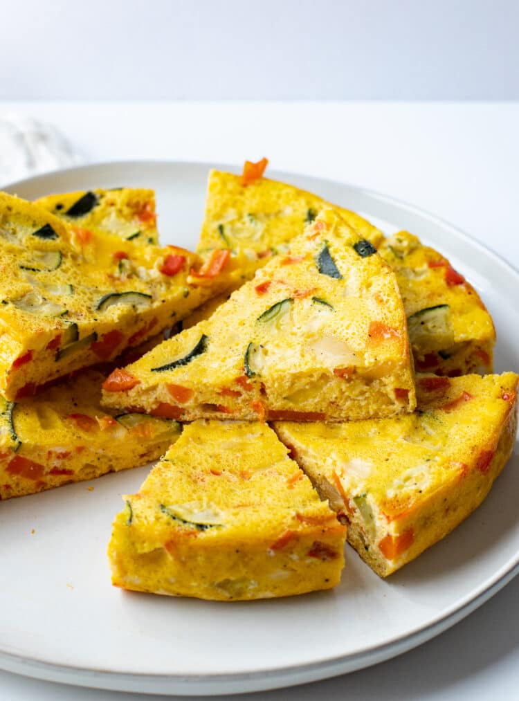 This healthy recipe gives traditional omelets a new, very nutritious touch.