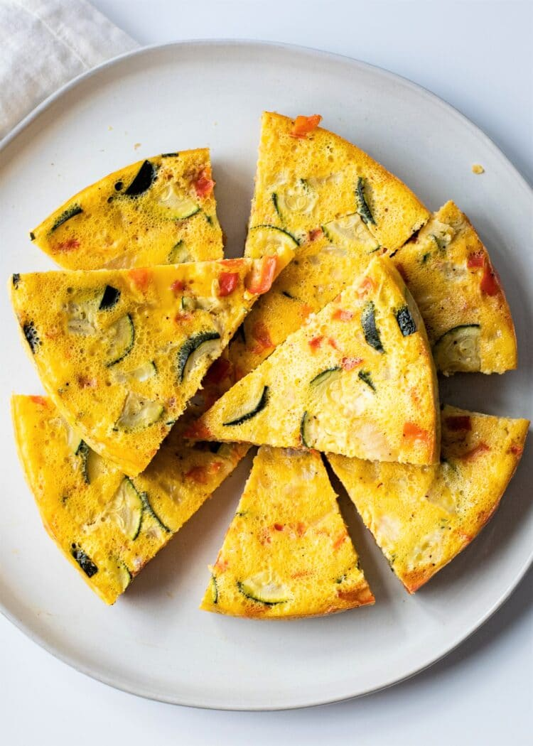 Make this delicious and easy slow cooker vegetable omelette for breakfast!