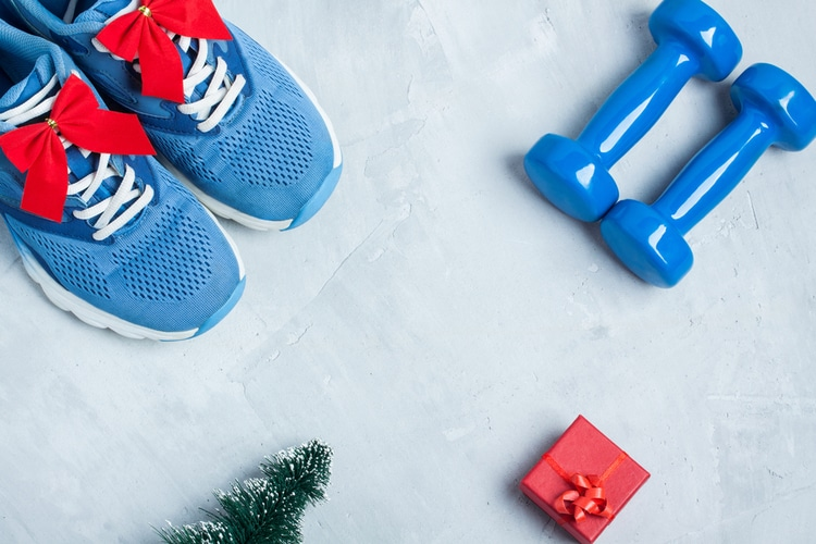 If you have one thing to commit to during this holiday season to stay in shape, this workout should be designed to keep the weight gain off while on vacation.