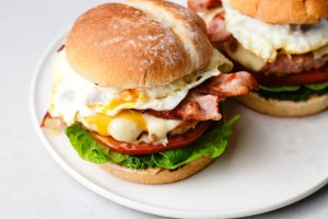 These people-friendly, delicious turkey sausage brunch burgers are ready in just 20 minutes!