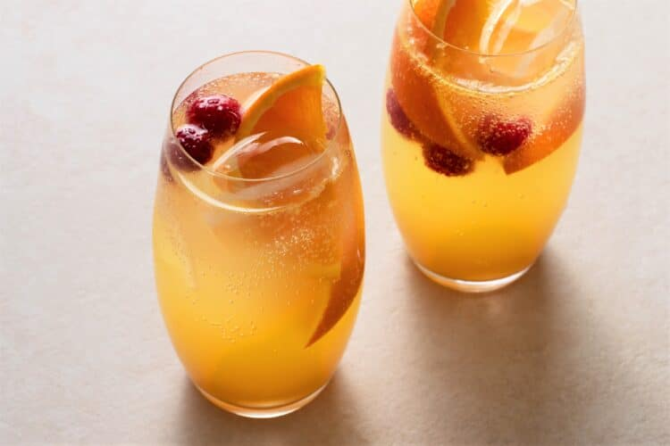 Have a non-alcoholic girls night with this delicious virgin drink.