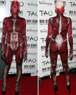 Halloween horror muscles - Heidi Klum