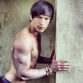 Alexander Hughes biceps