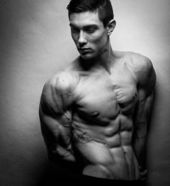 Benjamin Cardel biceps, pecs and abs