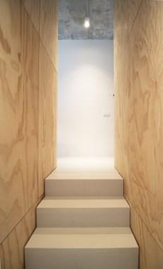 skinnyscar-11-v0-stairs-volumes
