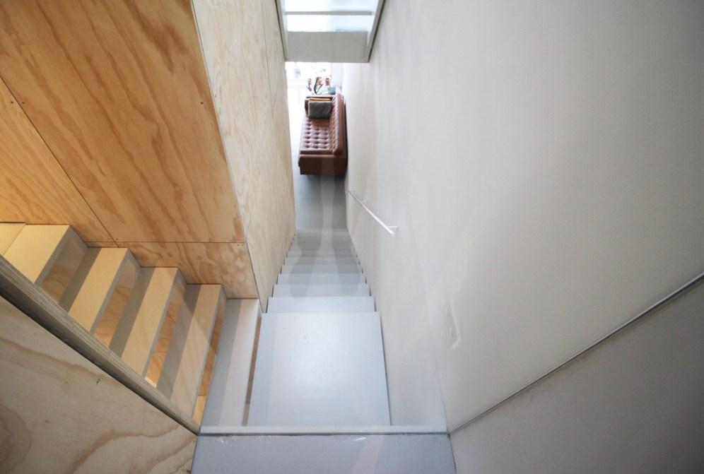 skinnyscar-33-v2-vista-stairs2