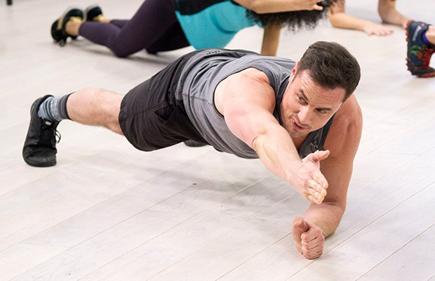 Core Workout Challenges: Lift a Limb in Plank