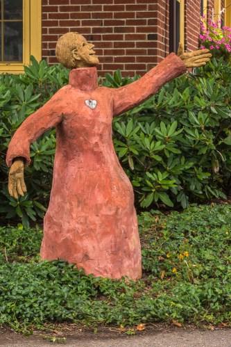 Chautauqua yard art