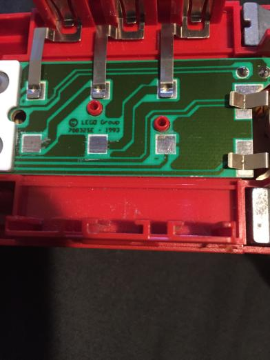 Scraped corrosion of the PCB