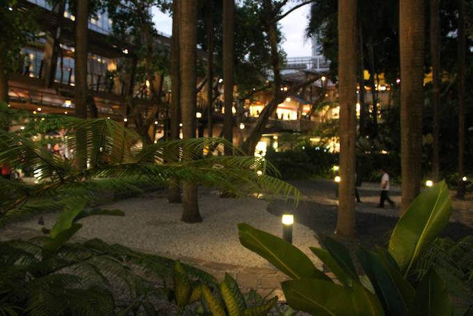When In Makati: Greenbelt 5, Hotel Hopping, Food, And Seeing A Model Friend | Skip The Flip