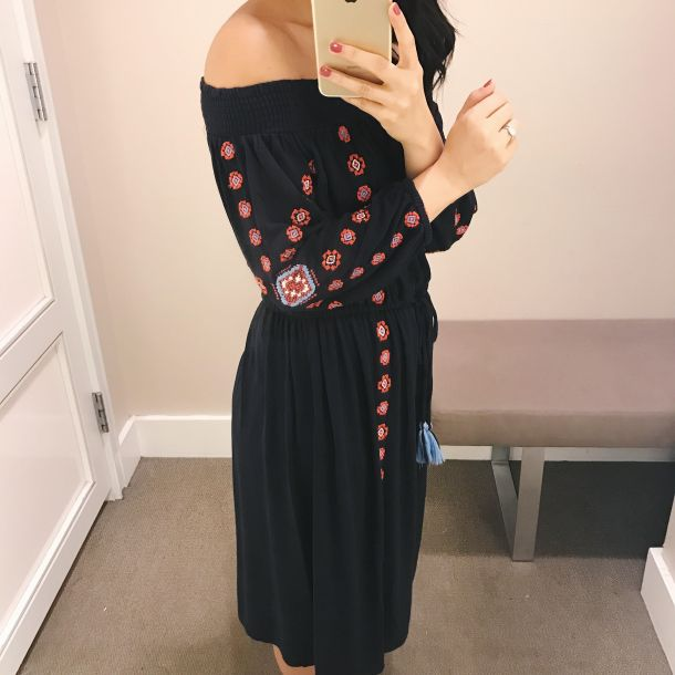 Summer Style / Off the Shoulder Embroidered Dress