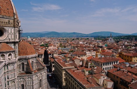 I'll be honest - Florence dissapointed me - over Roma, Venice and Siena but the skyline was very impressive.