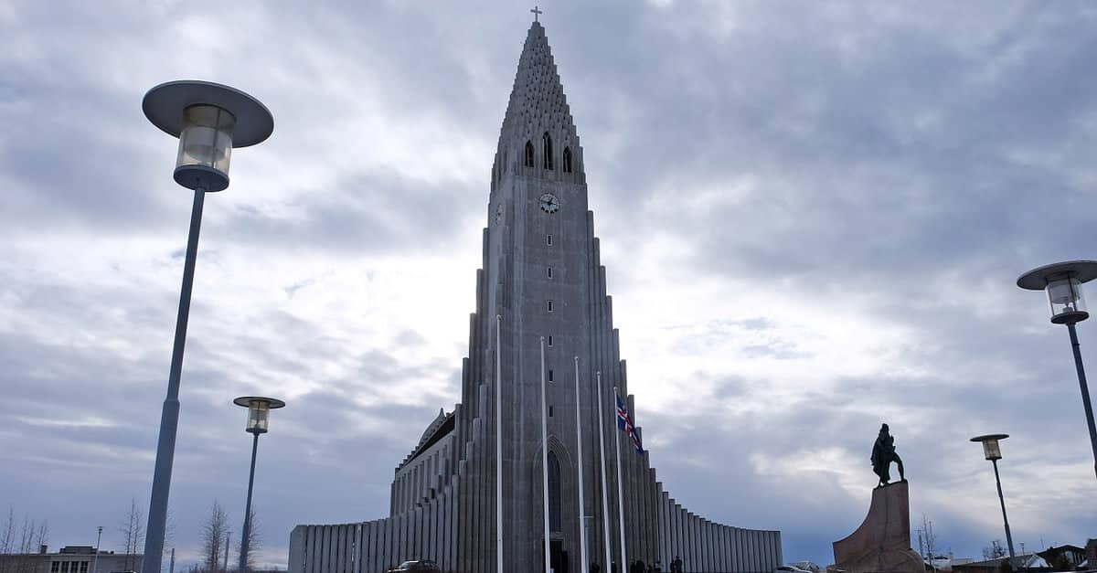 Stjórnarskrárbrot á Íslandi?