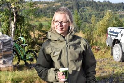 Anne Åsødegård_ med bil