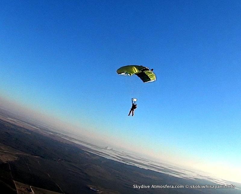 skoki spadochronowe hiszpania.45-002