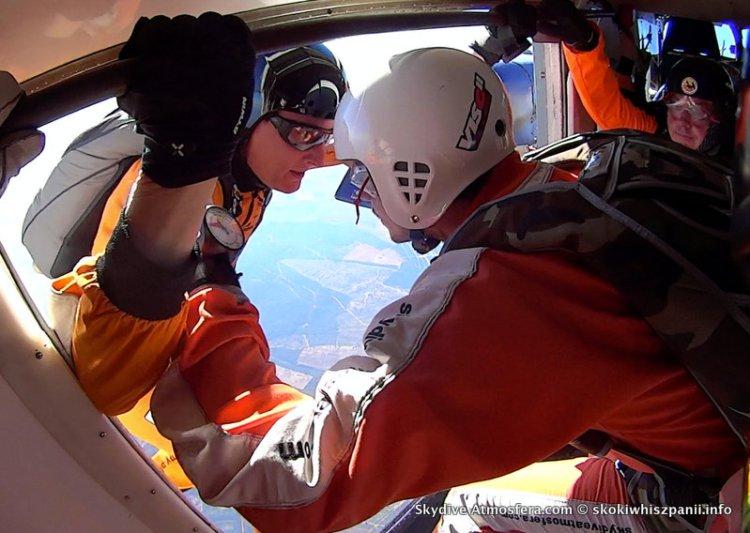 skoki spadochronowe hiszpania.47